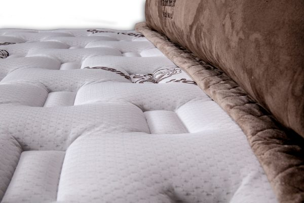 cynthia-pillow-top2